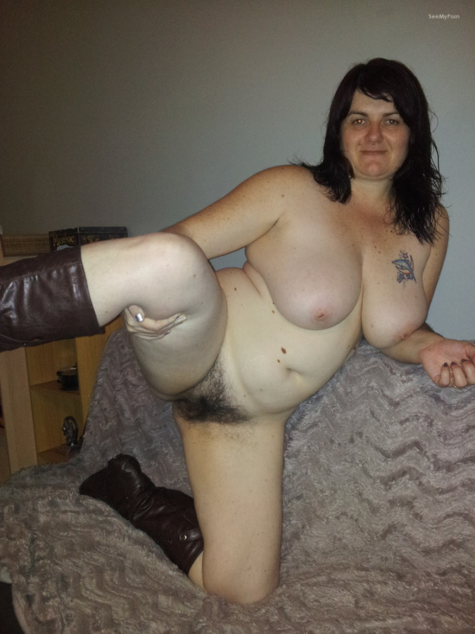 Mature black bbw hairy pussy photo 2