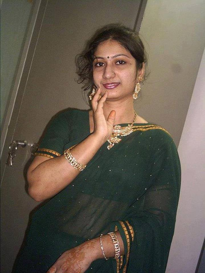 Tamil aunties and girls photo 1