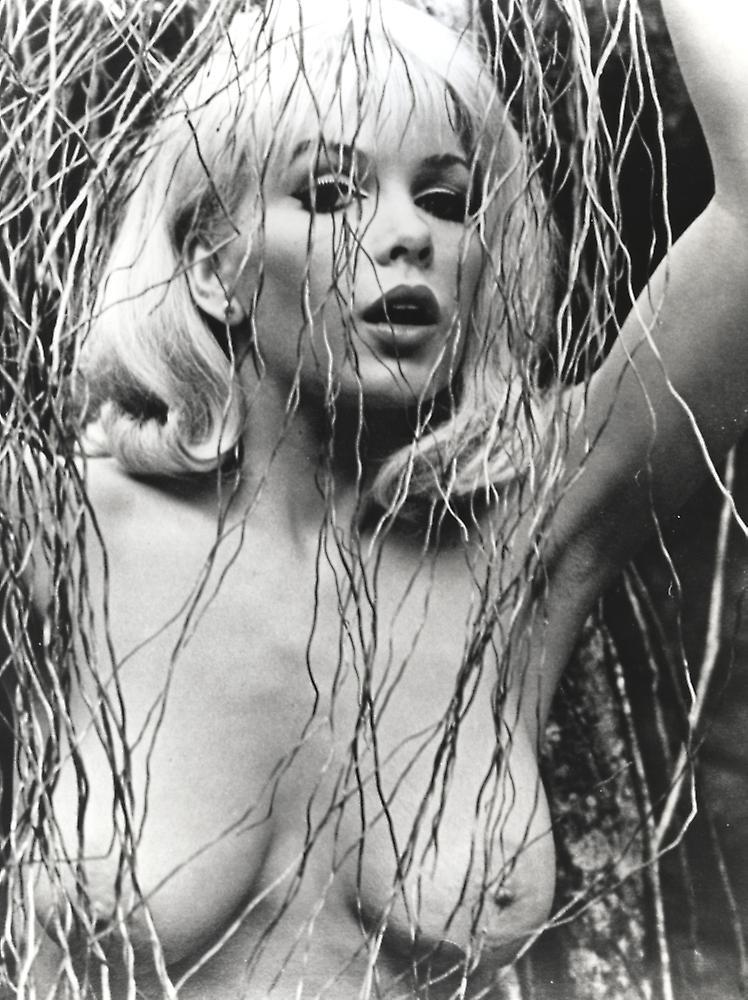 Stella stevens nude pictures photo 2