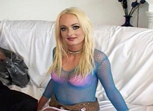 Wife sees first black cock