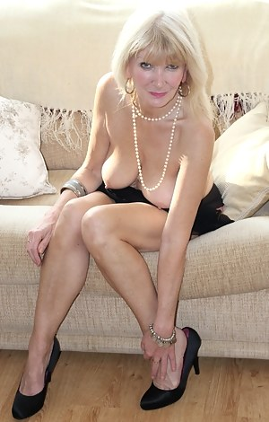 Free mature xxx thumbnails and galleries photo 2