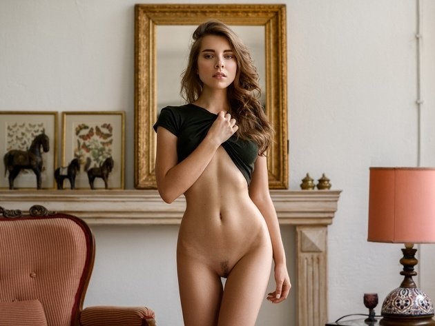 Nude brunettes with trimmed bush photo 4