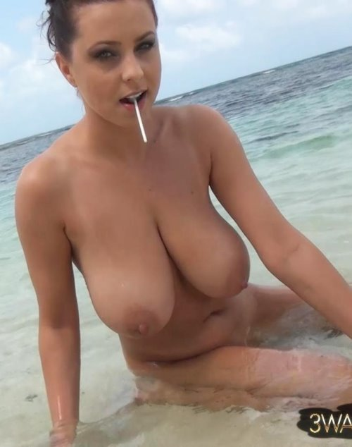 woman nacked and there boobs